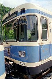 Überführung dreier U-Bahn-Wagen 2003 - Zugzielanzeige im A-Wagen 123 bereits auf schwarz umgebaut