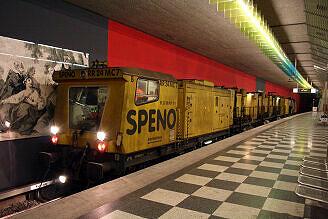 Schienenschleifzug der Firma Speno im Bahnhof Josephsburg