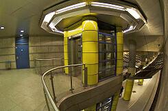 Aufzug zum Sperrengeschoss in Großhadern