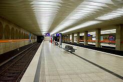 U-Bahnhof Olympiazentrum, Gleis 1/3