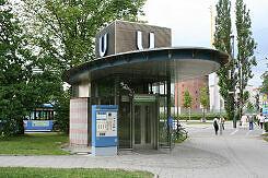 Aufzugshäuschen am U-Bahnhof Petuelring