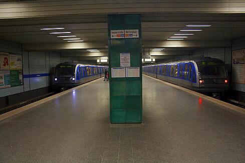 Zwei C-Züge am Goetheplatz