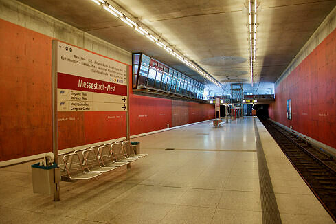 U-Bahnhof Messestadt West