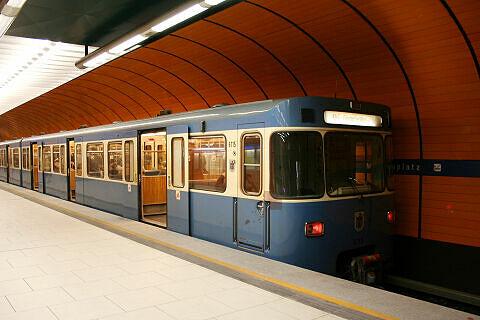 A-Wagen 115 am Marienplatz