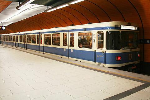 A-Wagen 170 am Marienplatz