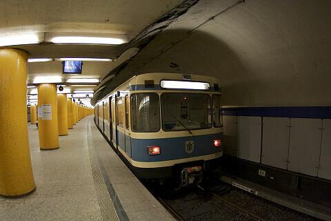 A-Wagen 173 an der Poccistraße