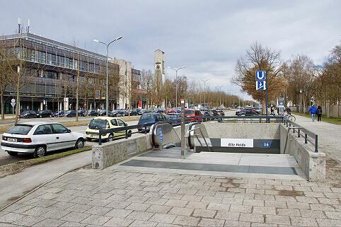 Südöstlicher Zugang am U-Bahnhof Alte Heide