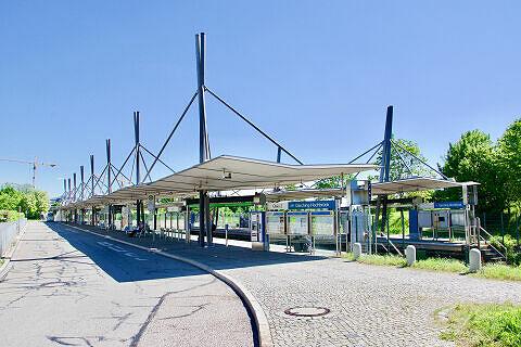 Busbahnhof am U-Bahnhof Garching-Hochbrück