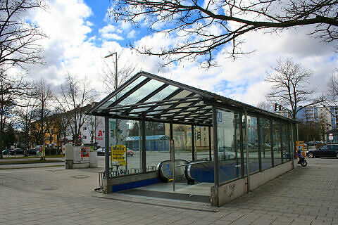 Zugang zum U-Bahnhof Hasenbergl