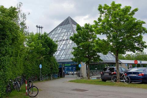 Zugangspyramide des U-Bahnhof Klinikum Großhadern