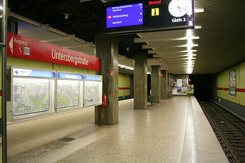 Untersbergstraße Gleis 1