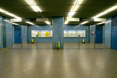 Sperrengeschoss des U-Bahnhofs Westendstraße