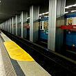 Partielle Bahnsteigserhöhung als Zustiegshilfe für Rollstuhlfahrer am Hauptbahnhof