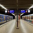 Bahnsteiggleicher Umstieg zwischen U2 und U5 am U-Bahnhof Innsbrucker Ring