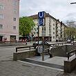 Zugang an der Oberfläche zum U-Bahnhof Untersbergstraße